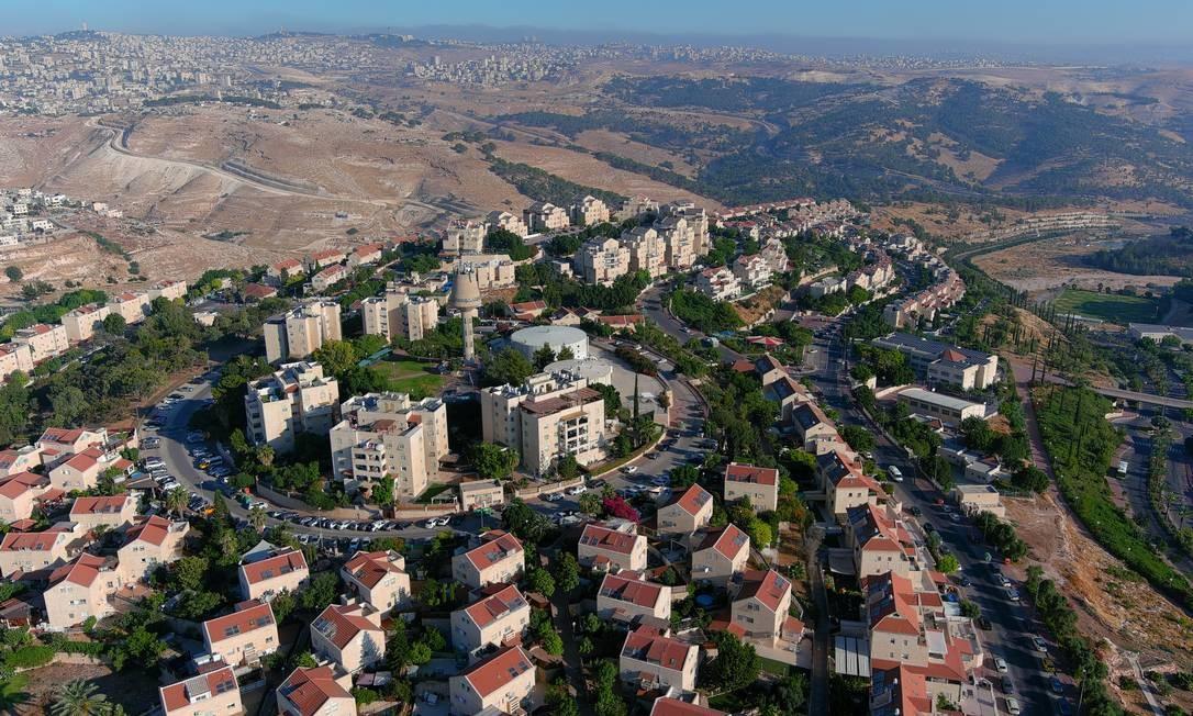 Vista aérea de assentamento judeu em território da Cisjordânia ocupada Foto: ILAN ROSENBERG / REUTERS
