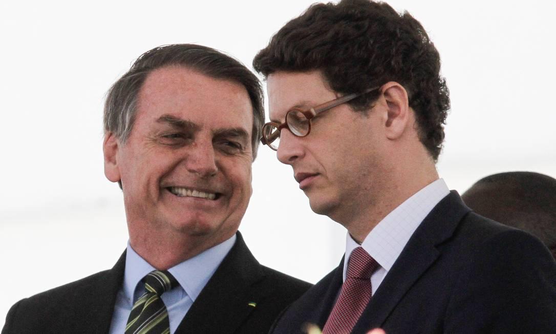 O presidente do Brasil Jair Bolsonaro e o ministro do Meio Ambiente Ricardo Salles Foto: NurPhoto / Getty Images