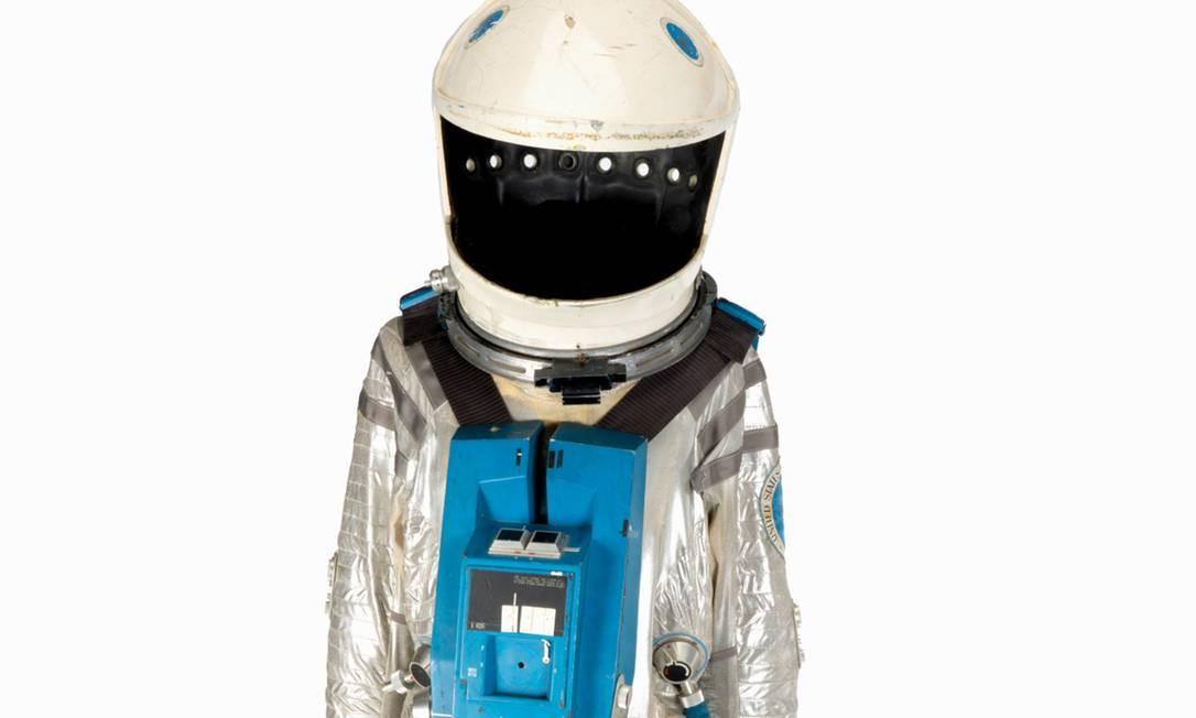 """Foto divulgada pelos Leilões de Julien mostra um traje espacial usado no clássico filme """"2001: uma odisseia no espaço"""" (1968), de Stanley Kubrick Foto: - / AFP"""