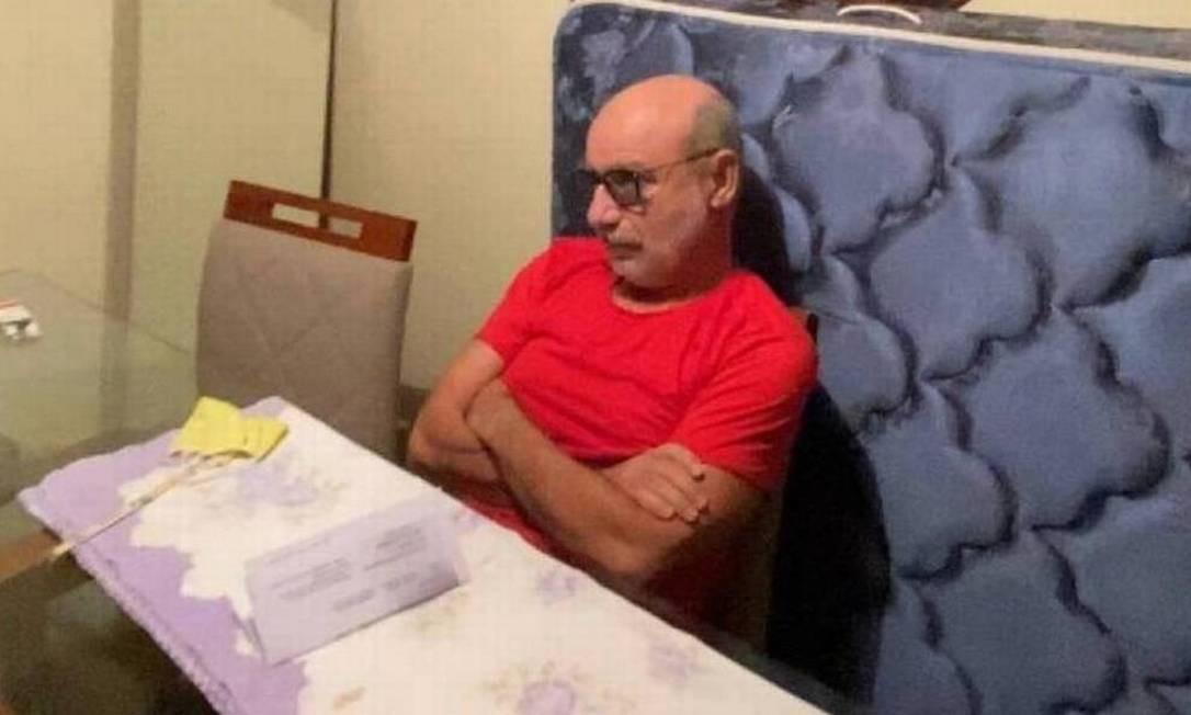 O ex-assessor Fabrício Queiroz, no momento em que foi preso, em Atibaia (SP), na casa do advogado de Flávio Bolsonaro Foto: Reprodução