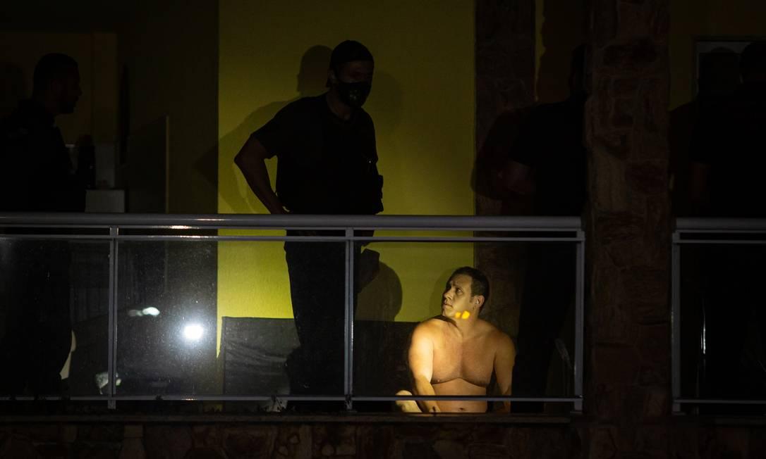 Ele dormia com a esposa no segundo andar da casa onde vive, na Vila Valqueire, Zona Oeste do Rio Foto: Hermes de Paula / Agência O Globo