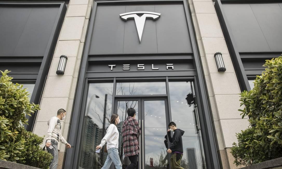 A Tesla é a segunda montadora mais valiosa do mundo, atrás da Toyota Motors Foto: Qilai Shen / Bloomberg
