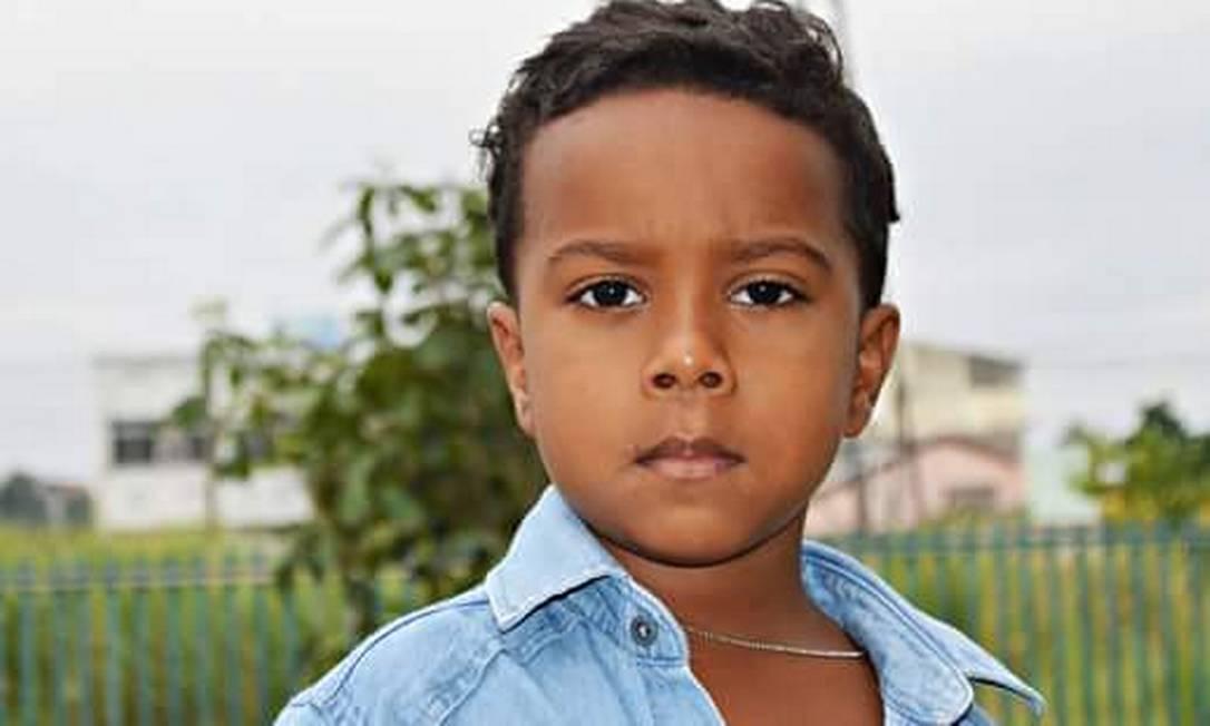 O menino Ítalo, morto por bala perdida Foto: Reprodução