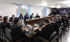 Jair Bolsonaro e ministros participam de reunião virtual de líderes do Mercosul Foto: MARCOS CORREA / AFP