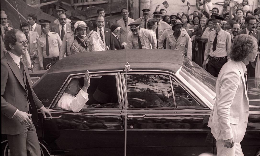 João Paulo II em visita ao Vidigal Foto: Paulo Moreira / Agência O Globo