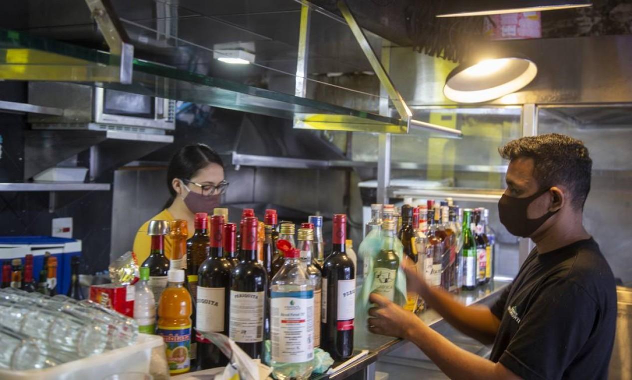 Bar do Gengibre, na Praca XV. Cuidados com a limpeza e o controle rigoroso de público estão entre as principais mudanças Foto: ANTONIO SCORZA / Agência O Globo