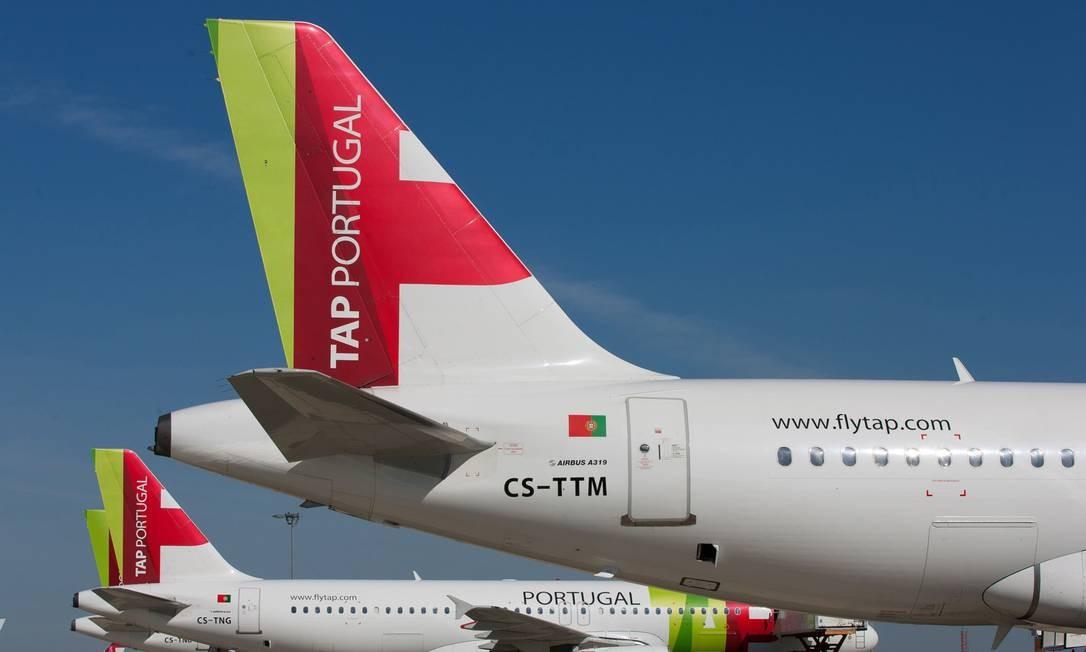 TAP Portugal foi mais uma companhia de aviação comercial a se ver fortemente afetada pela crise provocad pela pandemia do novo coronavírus Foto: Mario Proenca / Bloomberg