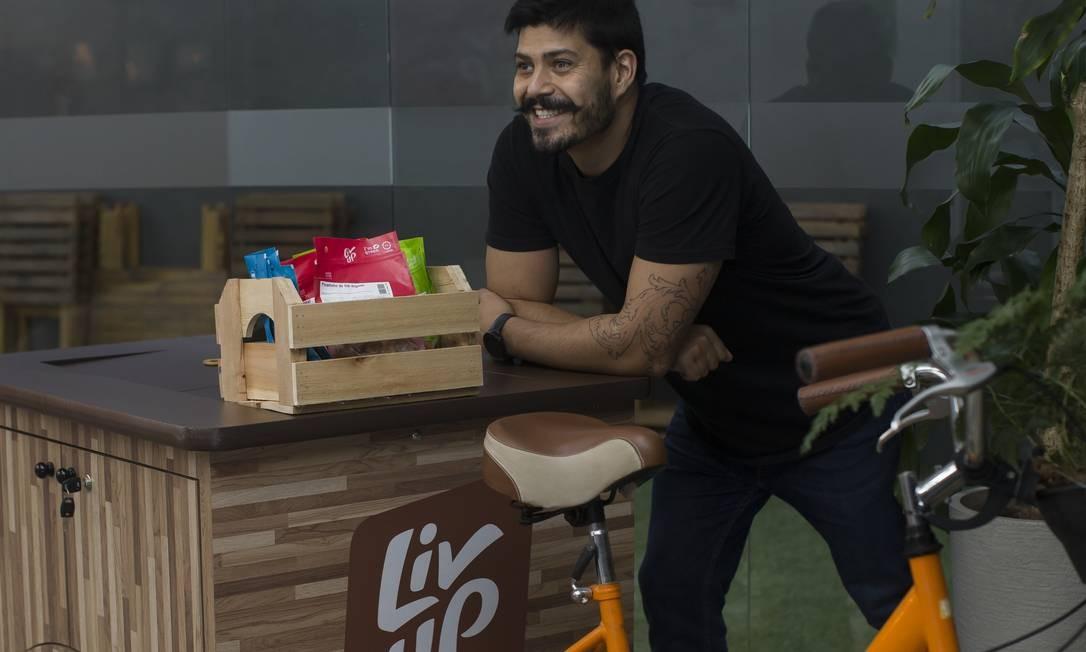 Com marmita saudável, Victor Santos, à frente da LivUp, conseguiu surfar na crise Foto: Agência O Globo