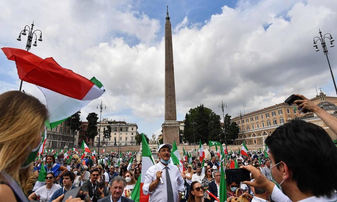 Protesto contra o governo em Roma, no dia 4 de julho Foto: TIZIANA FABI / AFP