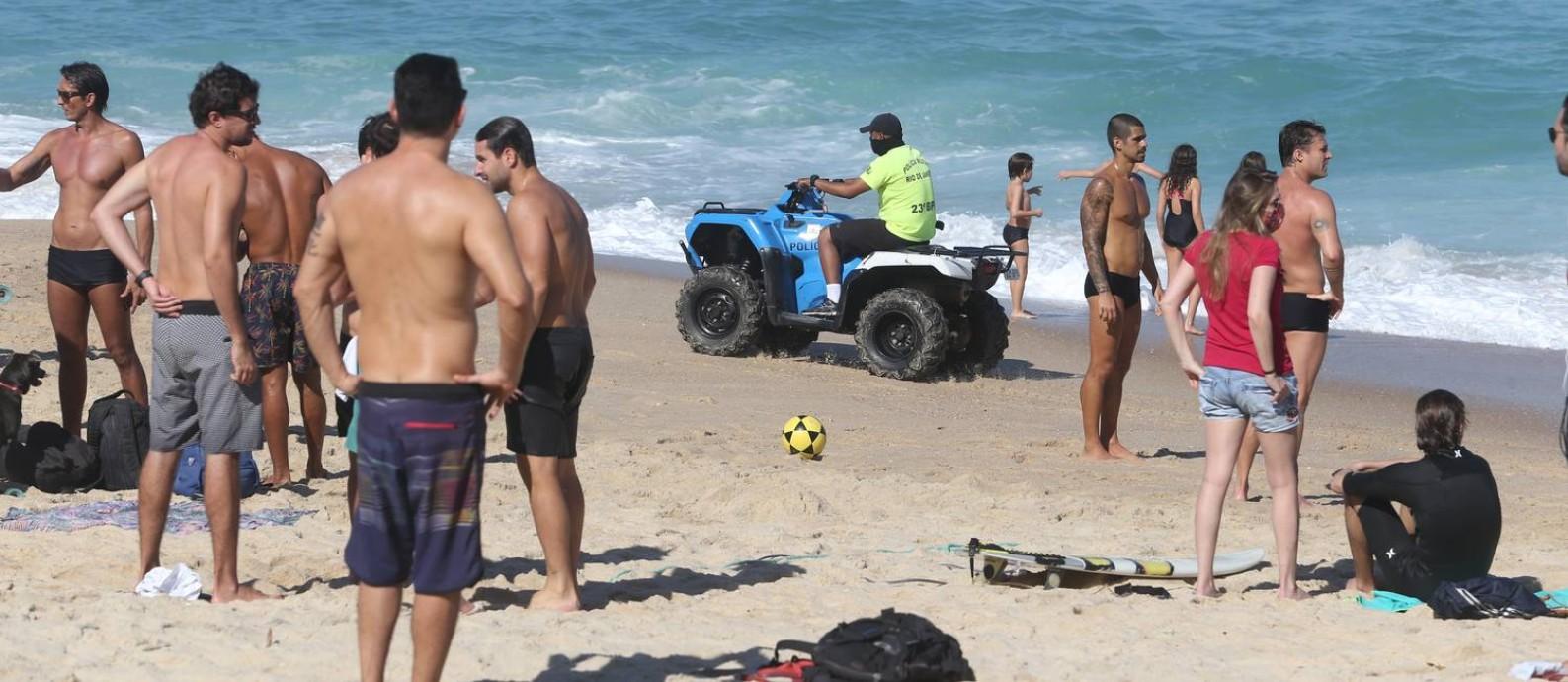 As areias da Praia do Leblon cheia de banhistas sem máscara no último domingo Foto: Pedro Teixeira em 5/7/2020 / Agência O Globo