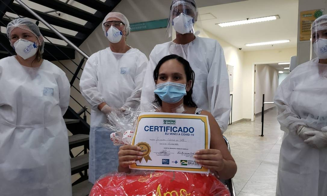 Fernada Valvano ficou 22 dias internada no CTI em coma e só conheceu sua filha 58 dias depois do parto Foto: Divulgação
