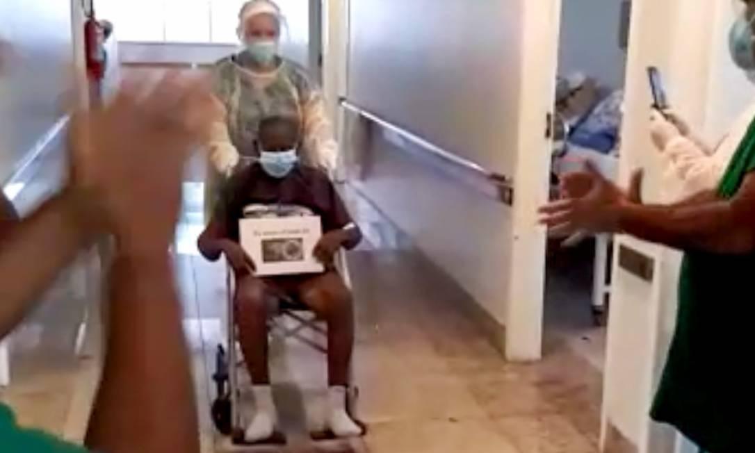 Davino, de 110 anos, se recuperou da Covid-19 em Campos Foto: Divulgação / Prefeitura de Campos dos Goytacazes