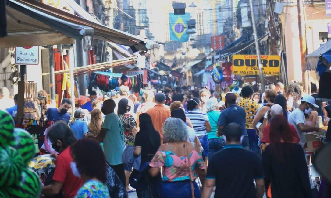 Saara: com a flexibilização da quarentena, taxa média de isolamento no Rio caiu para 30%, índice mais baixo desde o início da pandemia. População deve respeitar regras de distanciamento Foto: Ellan Lustosa / Agência O GLOBO