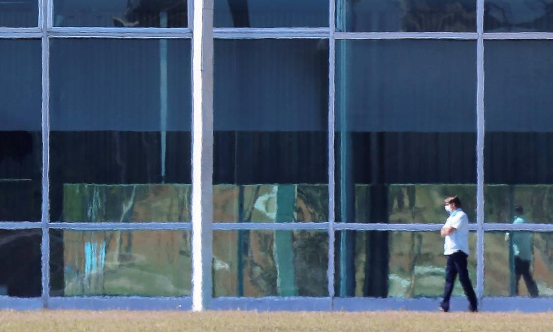 Com coronavírus, o presidente Jair Bolsonaro está em isolamento no Palácio da Alvorada Foto: Adriano Machado / Reuters