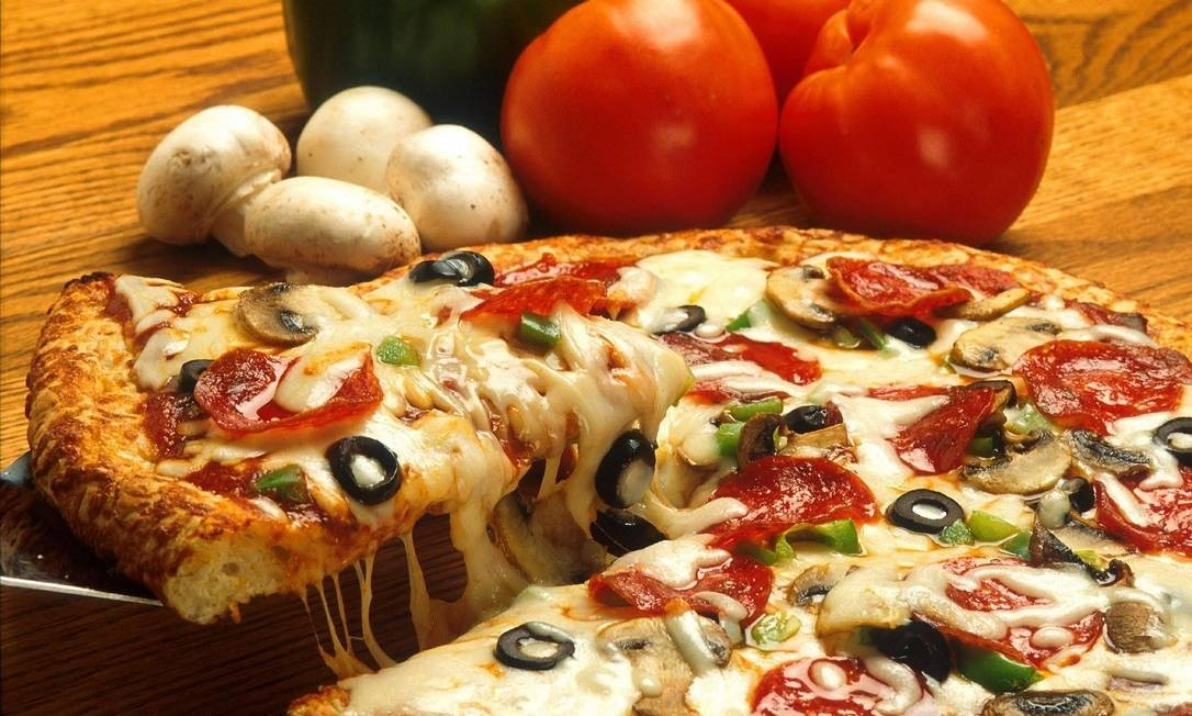 Pizza de calabresa com cogumelos frescos - Chef Jorge Mariano - Madá Pizza e Vinho Foto: Divulgação