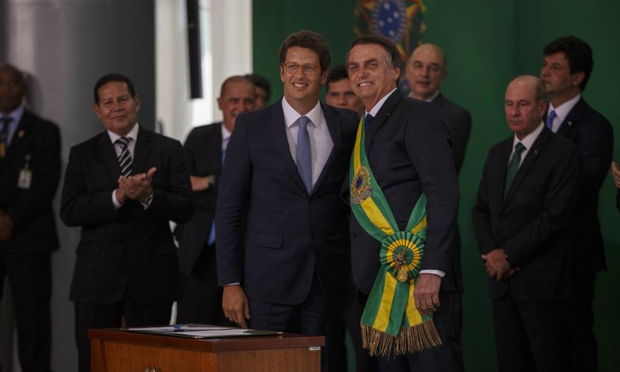 Salles com Bolsonaro durante a cerimônia de posse do presidente, em 1º de janeiro de 2019 Foto: Daniel Marenco / Agência O Globo