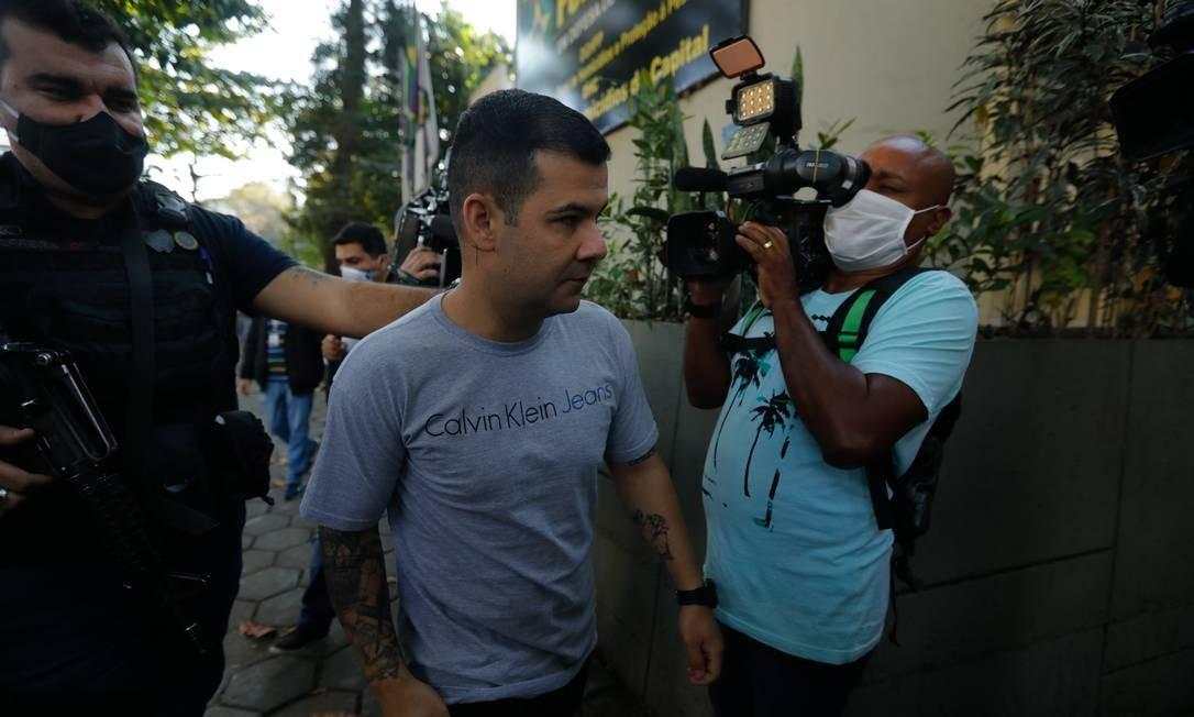 O cabo da Polícia Militar Fernando Mendes Alves foi preso enquanto trabalhava no Centro Presente. Ele é acusado por fazer parte de milíciia Foto: Brenno Carvalho / Agência O Globo