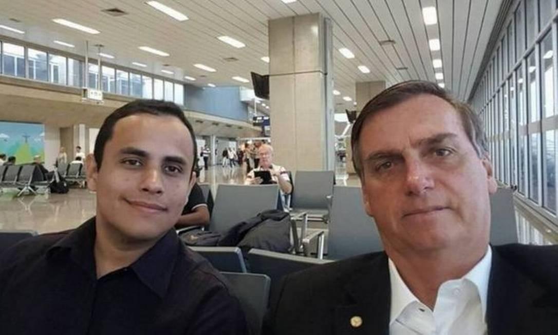 Perfil que seria administrada por Tercio Arnaud Tomaz, funcionário do Planalto, no Instagram foi derrubado por Facebook Foto: Reprodução