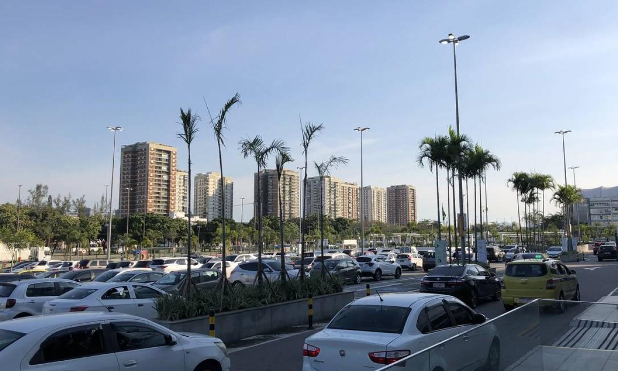 Estacionamento do BarraShopping, na última quarta (08/07/20), quase um mês depois da reabertura: cheio Foto: Danilo Perelló / Danilo Perelló
