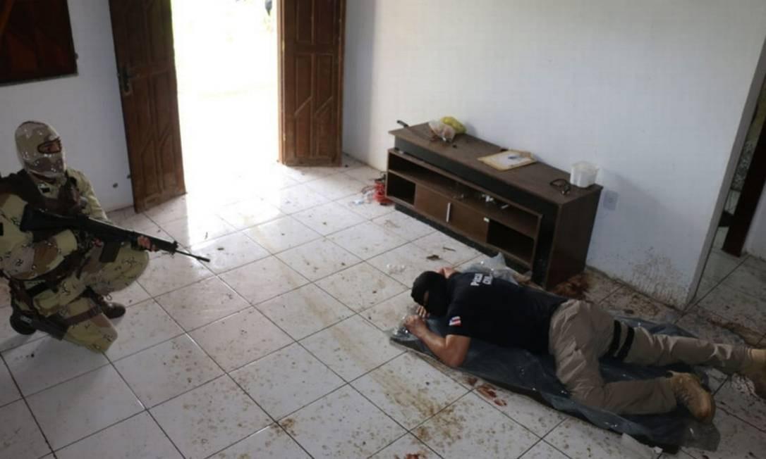 Policiais de grupo tático da Bahia reproduzem morte de Adriano da Nóbrega, em sítio da cidade de Esplanada Foto: Alberto Maraux / SSP-BA
