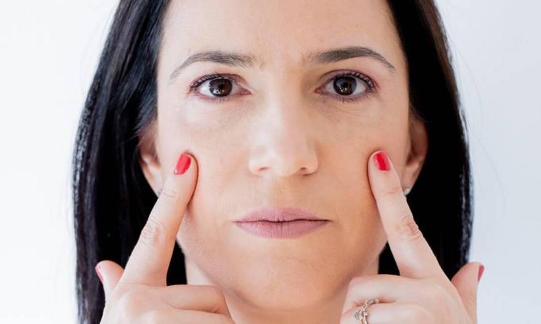 Yoga facial tem mais de 70 exercícios para rosto e pescoço Foto: Divulgação