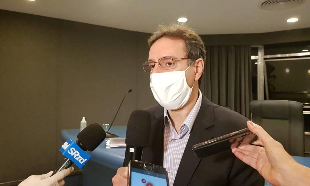 O presidente da Liesa, Jorge Castanheira durante reunião nesta terça-feira Foto: Felipe Grinberg