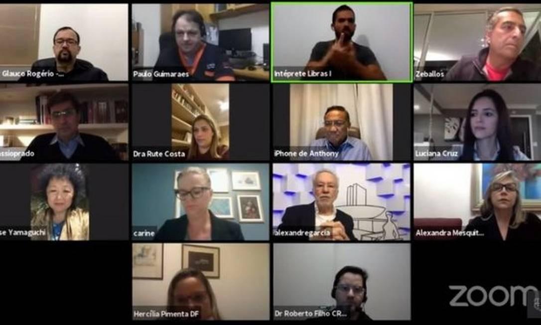 Live no fim de junho reuniu médicos que defendem remédios como cloroquina, hidroxicloroquina e azitromicina Foto: Reprodução
