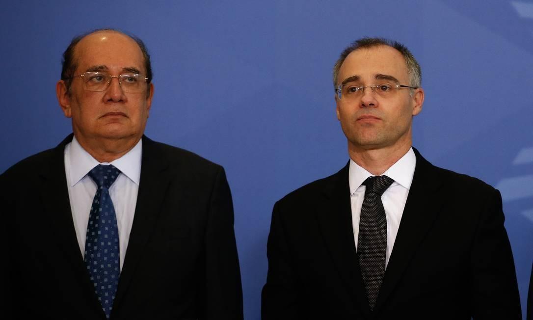 O ministro da Justiça, André Luiz Mendonça, e o ministro do STF Gilmar Mendes 29/04/2020 Foto: Pablo Jacob / Agência O Globo