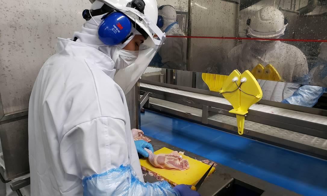 Empresas adotam recomendações feitas pelo governo e pela Organização Mundial da Saúde em unidades Foto: Divulgação