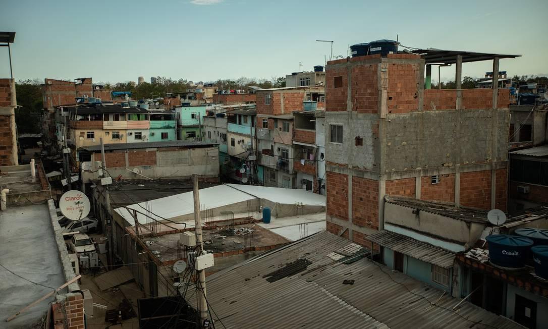 Prédios em construção irregulares em Rio das Pedras, na Zona Oeste do Rio Foto: Brenno Carvalho / O Globo - 28.02.2020