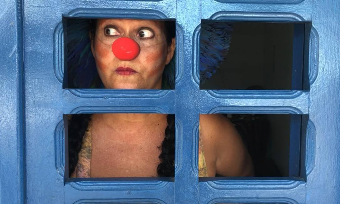 'Rezos da Xamãe Zanoia', de Livia Falcão. Vídeos curtinhos com a xamã do riso e da sabedoria Foto: Divulgação/Olga Ferrario