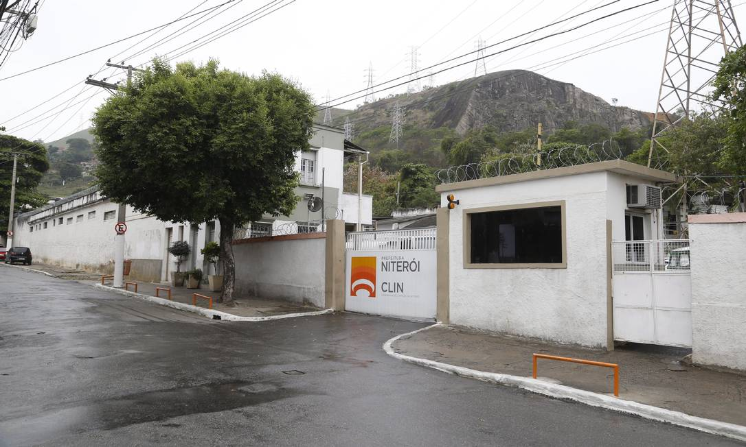Fachada da Clin, em São Lourenço: este ano, contrato não recebeu aditivo; nova empresa fará o serviço, diz FME Foto: Fábio Guimarães / 22-11-2017 / Agência O Globo