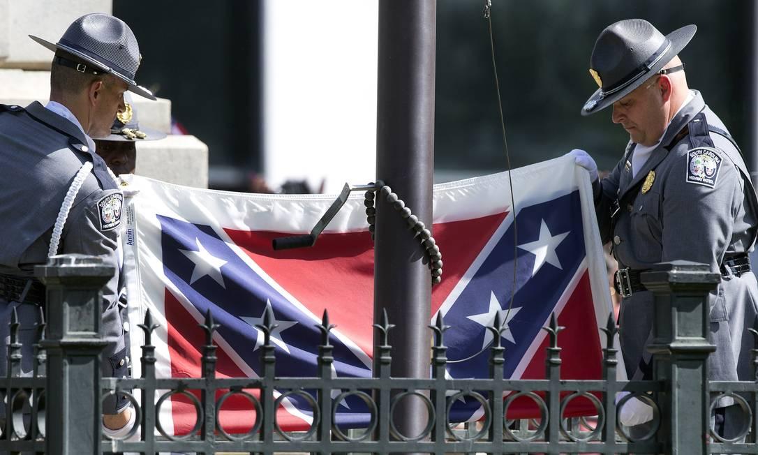 Bandeira dos Confederados é símbolo do passado escravocrata do sul dos Estados Unidos Foto: John Bazemore