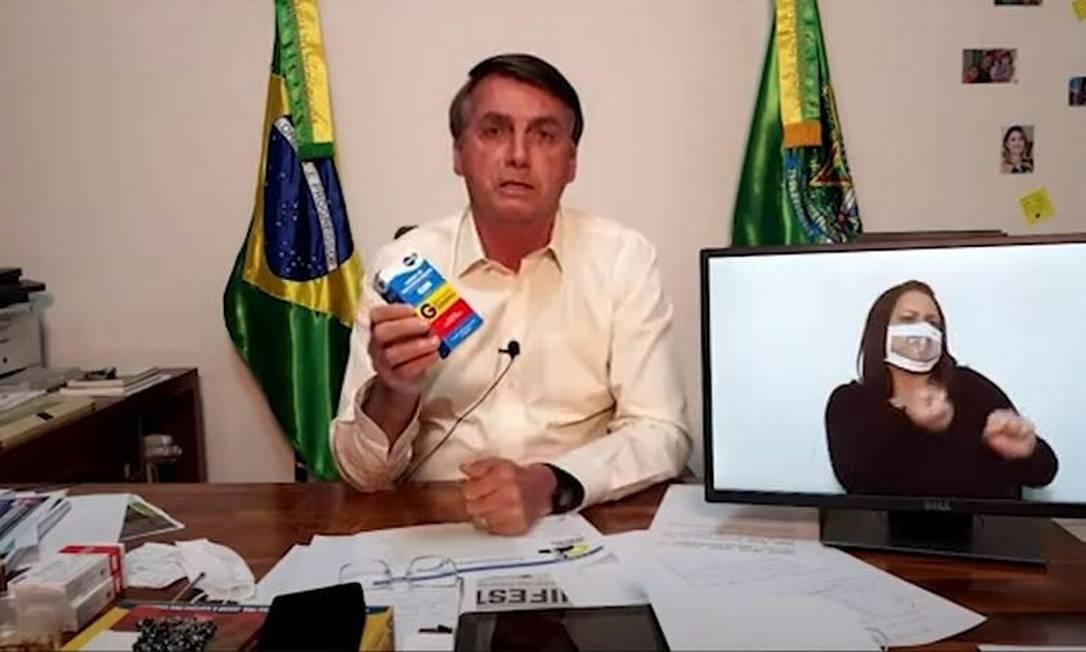 Em live Bolsonaro defende uso da cloroquina Foto: Reprodução