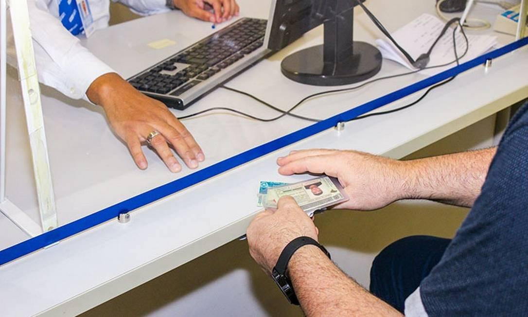Atendimento de motorista no Detran Foto: Divulgação Detran-RJ