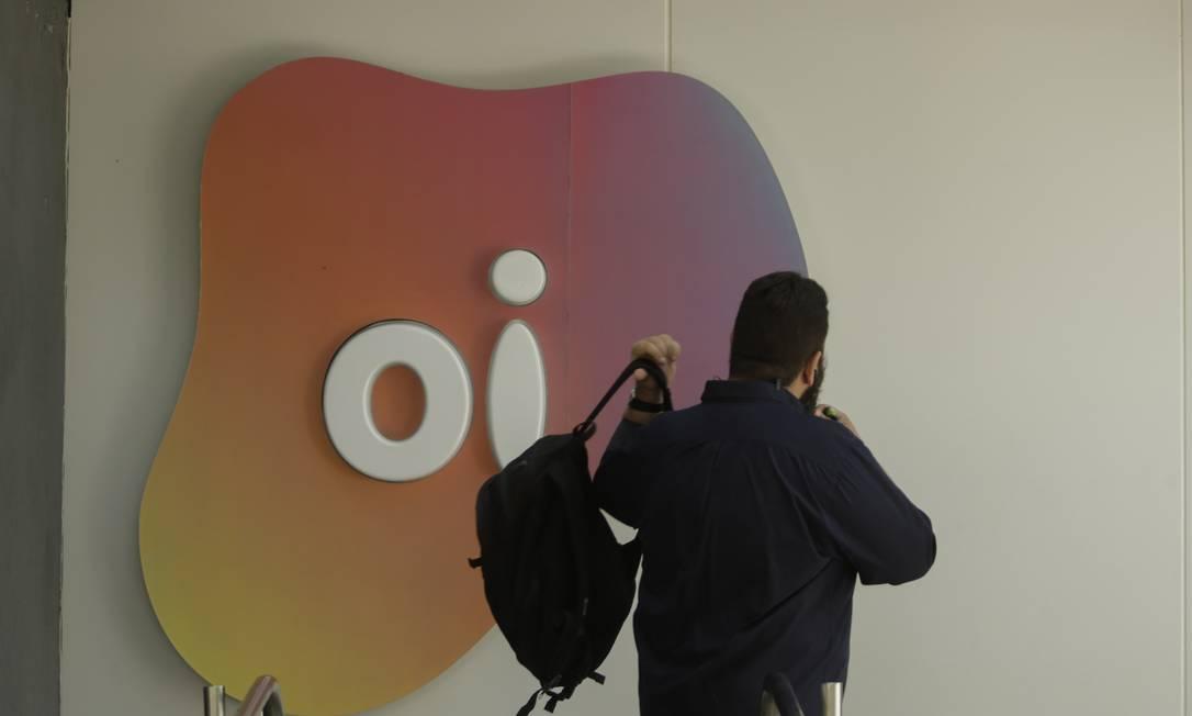 Ações em alta. Mercado acredita que oferta das rivais pela operação móvel da Oi será benéfica para todas as empresas Foto: Gabriel de Paiva / Agência O Globo