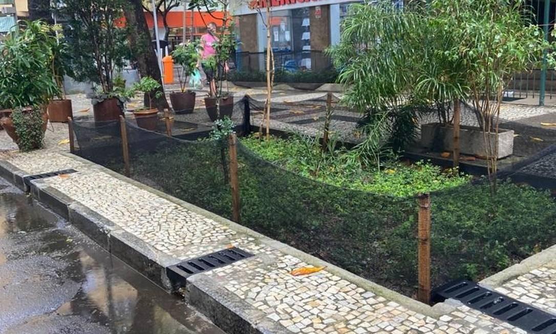 Jardim de Chuva da Rua Almirante Golçalves, em Copacabana Foto: Divulgação