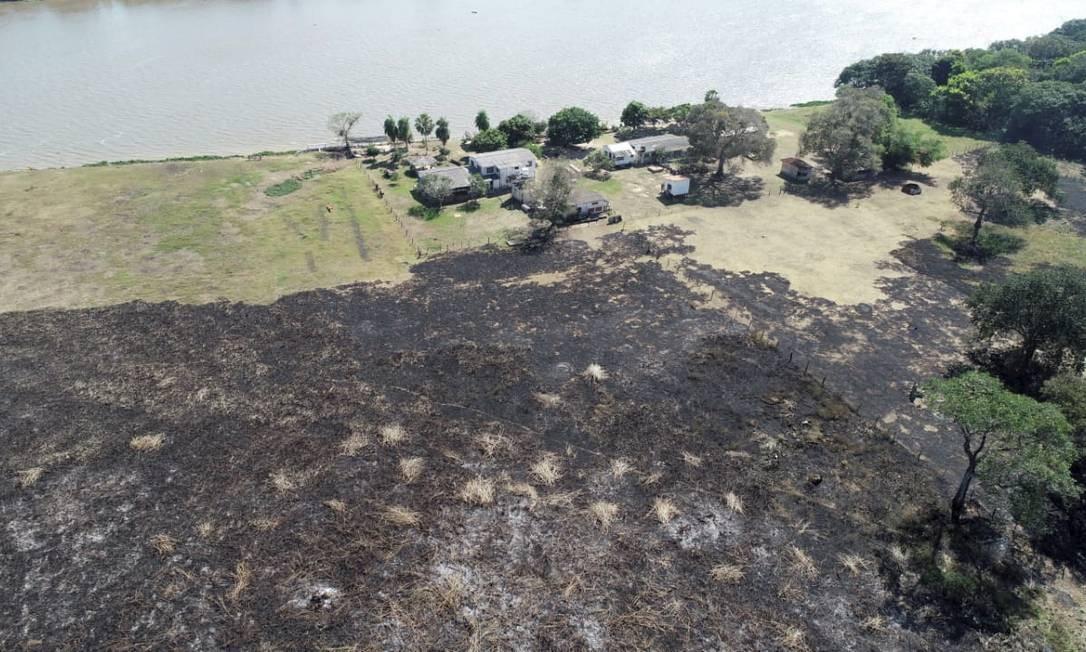Propriedade rural às margens do Rio Paraguai, no Mato Grosso do Sul: devastação é a maior desde início de série histórica do Inpe, em 1998 Foto: Corpo de Bombeiros Militar de Mato Grosso do Sul / CBMMS - 19/7/2020