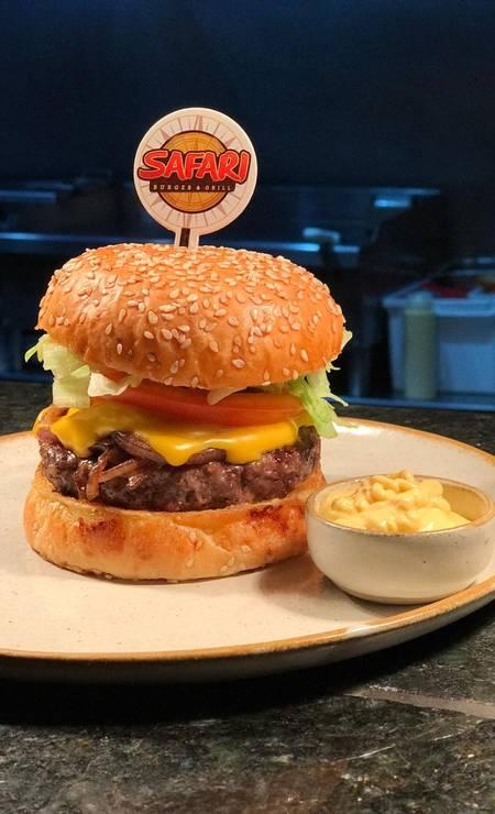 SafariBurger. O hambúrguer de ponta de costela é a sensação do lugar Foto: @risemkt / Divulgação