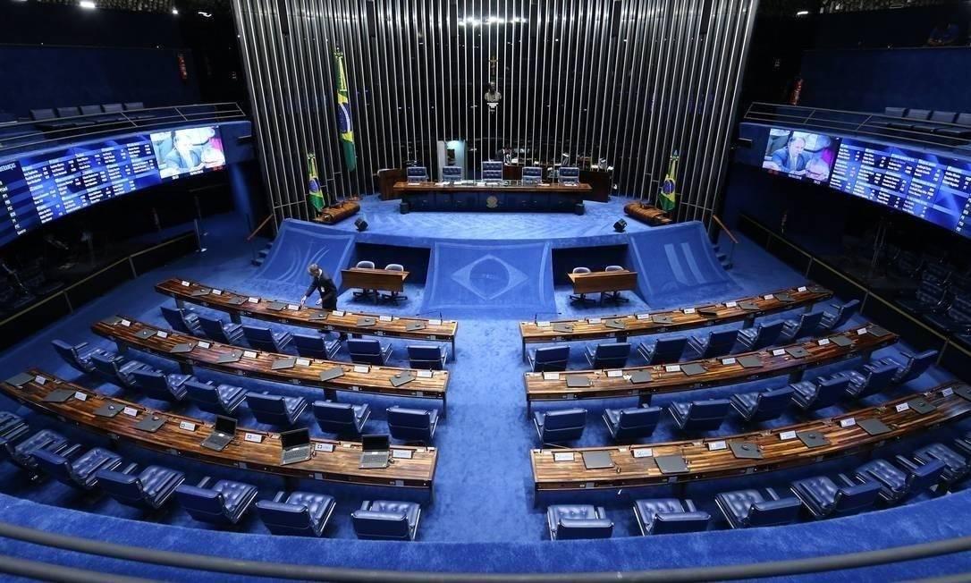 PEC foi aprovada em dois turnos no Senado Foto: André Coelho / .