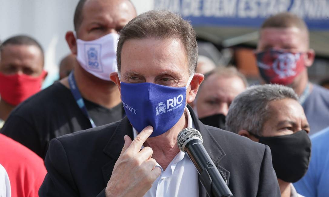 O prefeito Marcelo Crivella afirma ter desqualificado e multado o Iabas Foto: Cléber Júnior / Agência O Globo / 27-06-2020