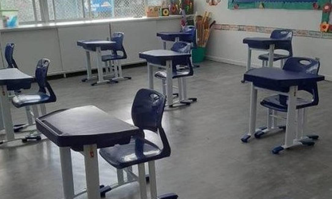 Ainda sem data para reabrir, escolas como o CEL já se prepararam, com medidas como o afastamento de carteiras Foto: Divulgação