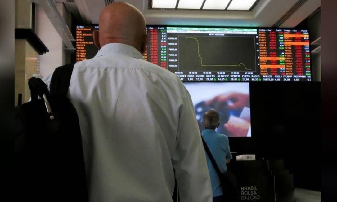 Na B3, Ibovespa opera em baixa, subiu mais de 8% em julho Foto: Reuters