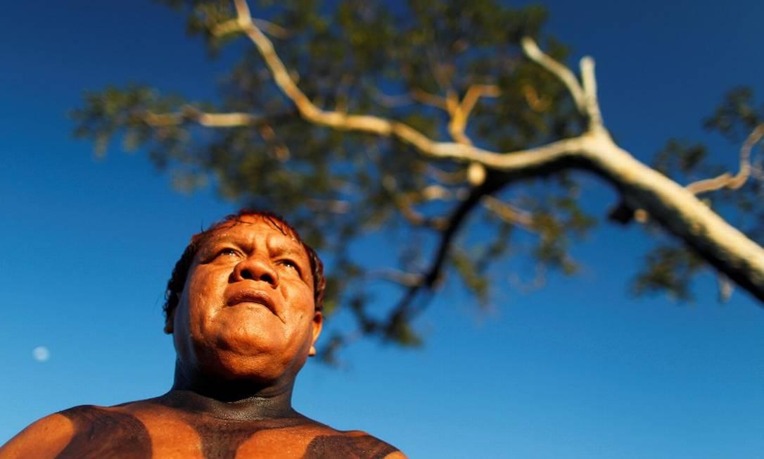 O cacique Aritana fotografado no Parque Índigena do Xingu, em 2012 Foto: Ueslei Marcelino / REUTERS