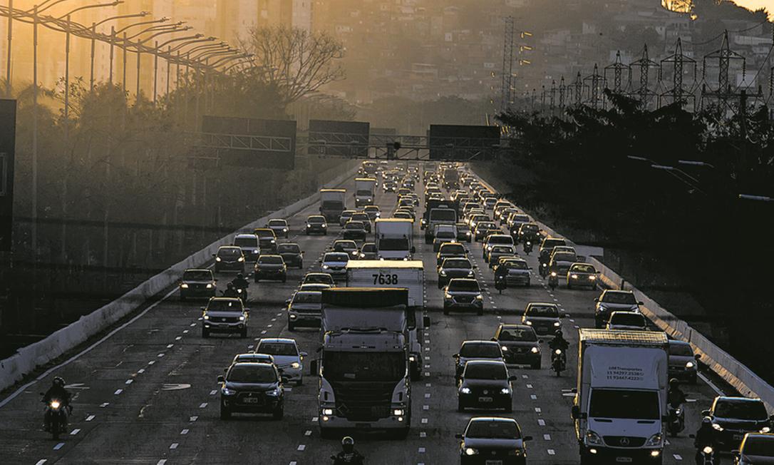 Setor de transportes vai ter forte retração este ano com a pandemia de coronavírus. Foto: Edilson Dantas