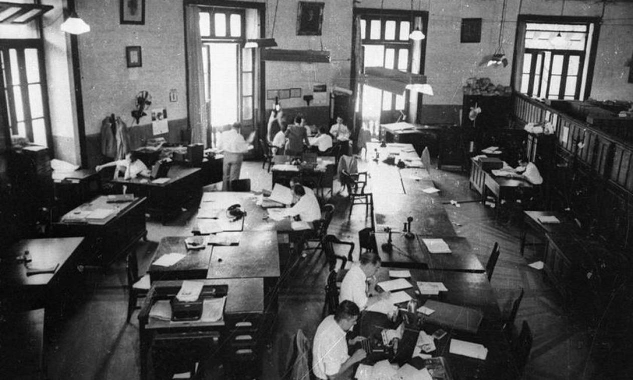 Redação do jornal O GLOBO na primeira sede Foto: Arquivo