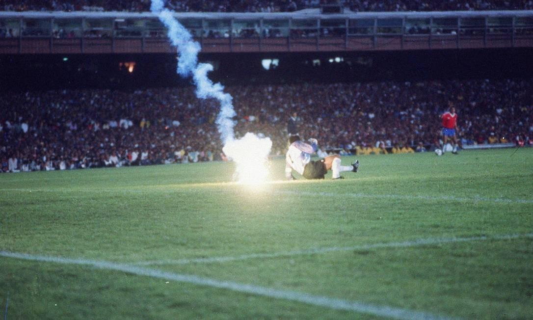 A farsa chilena nas Eliminatórias da Copa do Mundo, Prêmio Esso de fotografia de 1990 Foto: Jorge William / Agência O Globo