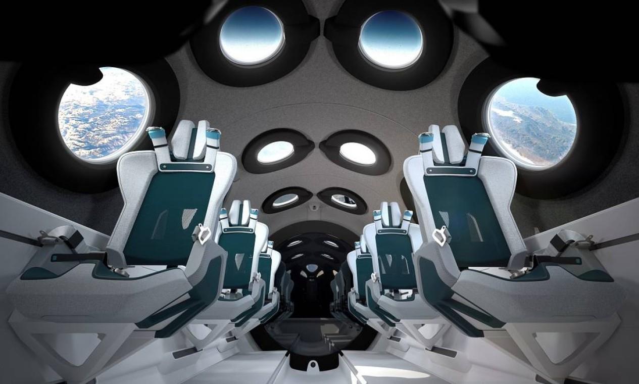 Após sua liberação, um piloto lançou a nave ao espaço. As pessoas a bordo da espaçonave foram capazes de sentir a falta de gravidade por alguns minutos e tiveram uma ideia do que iriam sentir quando estivessem no espaço suborbital. Na foto, o interior da cabine da nave modelo VSS Unity Foto: Virgin Galactic / Divulgação / Via Reuters