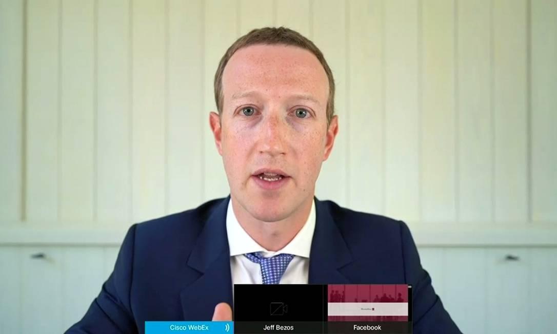 O diretor executivo do Facebook, Mark Zuckerberg, presta depoimento na Câmara dos Representantes, por videoconferência Foto: HANDOUT / via Reuters