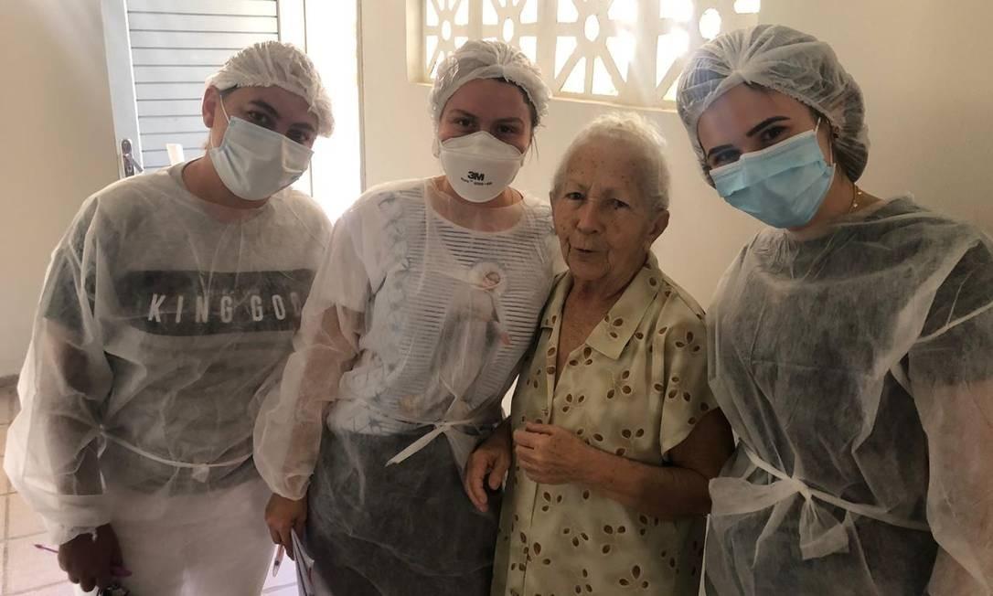 Profissionais de saúde de Juazeiro do Norte testaram idosos em abrigos Foto: Arquivo pessoal